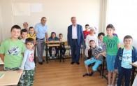 Kursu öğrencilerine Kuran-ı Kerim ve Türk Bayrağı hediyesi