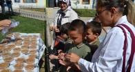 Kırklareli Atatürk İlkokulunda aşure ikramı