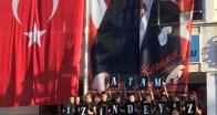 Atatürk İlkokulu ve Ortaokulu öğrencileri Ata'sını saygıyla andı